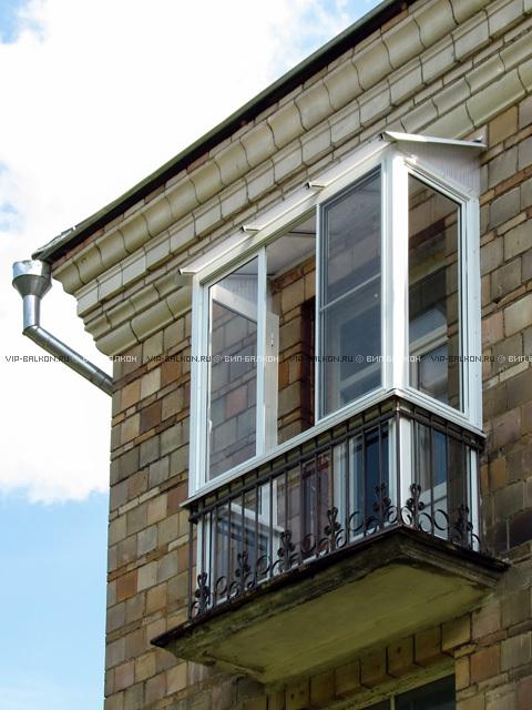Французское остекление балкона и лоджии.