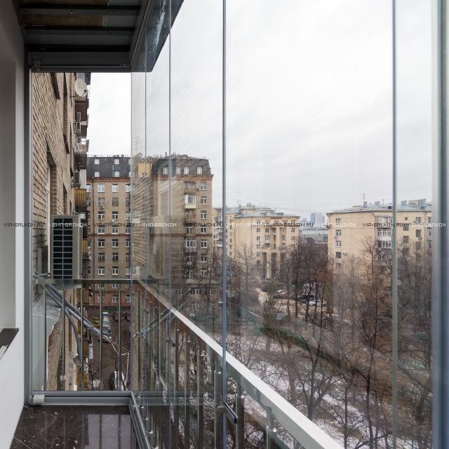 Безрамное остекление балконов и лоджий: vip-balkon.