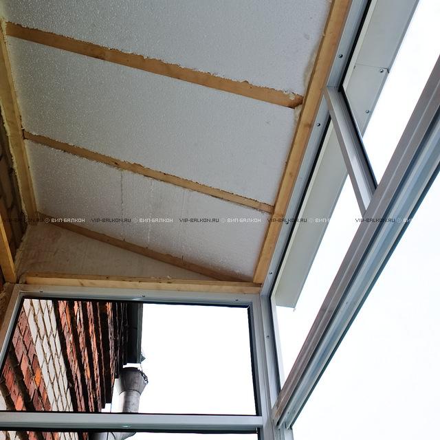 Есть козырек на балконе а потолка нет как сделать