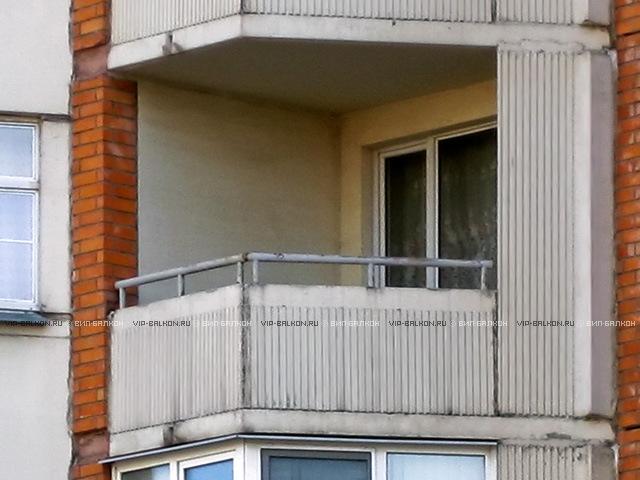 Цены на безрамное остекление балкона: вип-балкон.