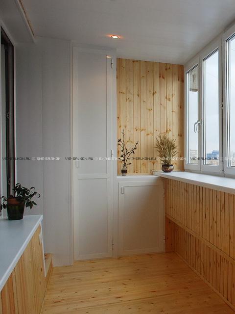 встроенный шкаф на балкон и тумба