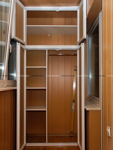 встроенный шкаф на балкон распашной