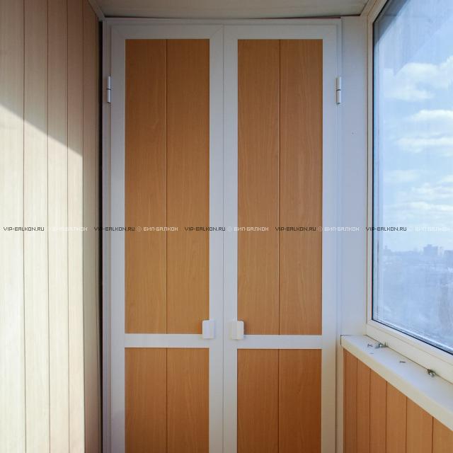 Шкаф на балкон под заказ.