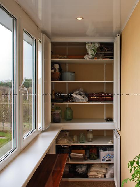Установка шкафов в малогабаритных балконах.